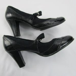 Black Block Heeled Mary Janes-EUC